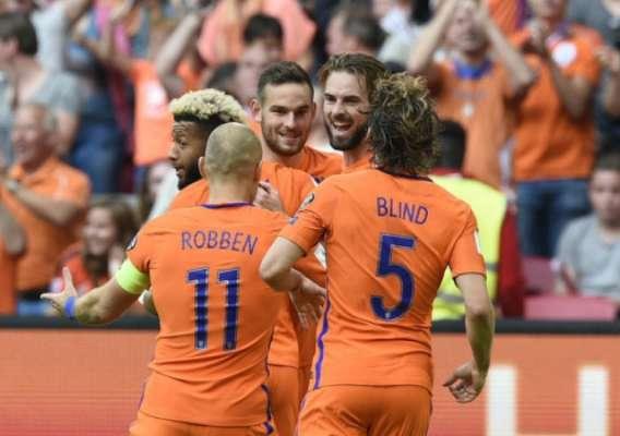 Holanda 3 x 1 Bulgaria