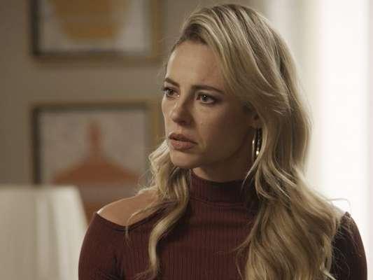 Jeiza (Paolla Oliveira) descobre que Caio (Rodrigo Lombardi) quase se casou com Bibi (Juliana Paes), na novela 'A Força do Querer', em 7 de outubro de 2017