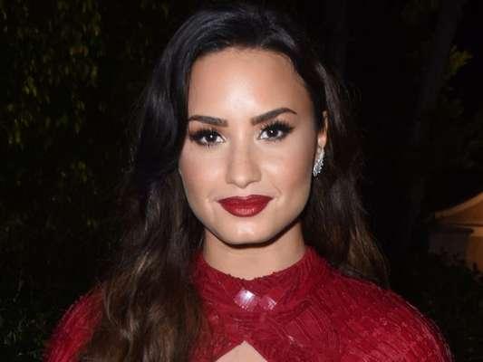 Demi Lovato falou abertamente sobre o vício em álcool e drogas ao ser homenageada no Brent Shapiro Foundation for Drug Prevention, na última segunda-feira, dia 12 de setembro de 2017