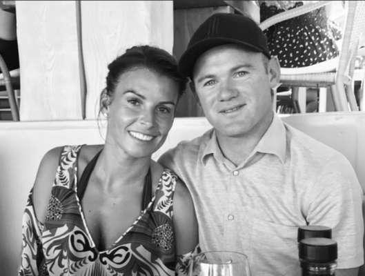 Após ser preso por dirigir embriagado, no dia 1º de setembro, o jogador de futebol Wayne Rooney pode ver seu casamento chegar ao fim. Isso porque Coleen Rooney, esposa do jogador, teria dado a ele um ultimato para o relacionamento já que ele estava acompanhado de uma modelo quando foi flagrado