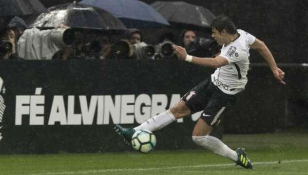 Paraguaio soma 145 jogos pelo Timão