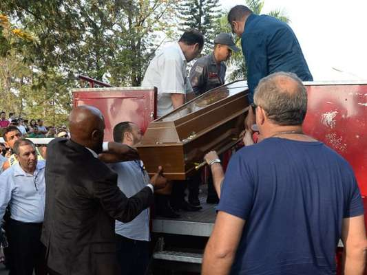 O corpo de Marcelo Rezende foi sepultado neste domingo, 17 de setembro de 2017, em São Paulo