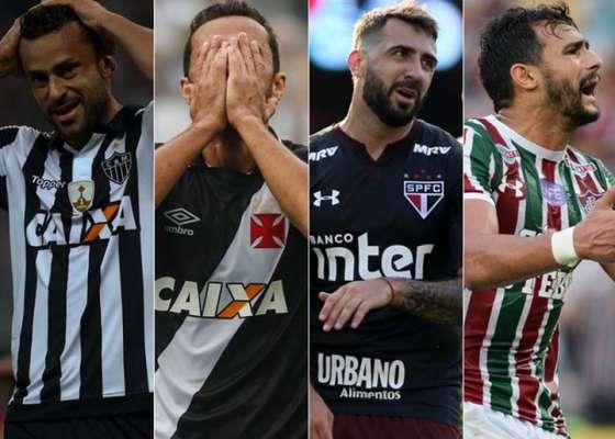 Nunca na história do Brasileirão a diferença entre o oitavo colocado e o primeiro clube dentro da zona do rebaixamento foi tão pequena em 26 rodadas: quatro pontos. Assim, a edição de 2017 tem o maior número de campeões brasileiros ameaçados de queda nesta etapa na história: Atlético-PR (34 pontos), Atlético-MG (34), Vasco (33), Bahia (31), São Paulo (31), Fluminense (31), Sport (30) e Coritiba (28), os dois últimos dentro do Z4. Veja ano ano...