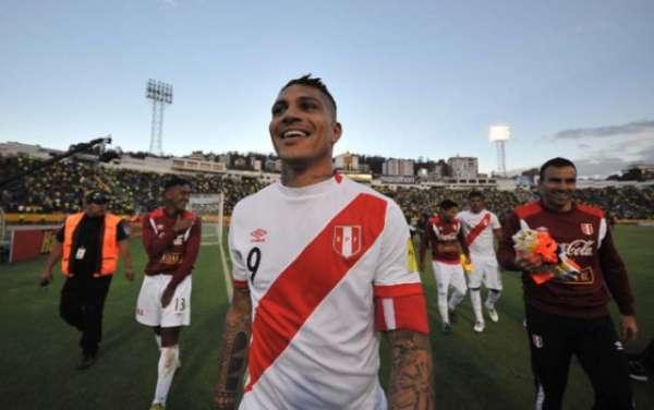 Guerrero está próximo de levar a seleção peruana para a Copa do Mundo