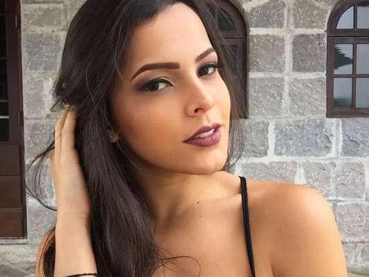 Ex-BBB Emilly afirma ter 2 projetos na Globo como atriz em entrevista à revista 'Capricho' nesta terça-feira, dia 10 de outubro de 2017