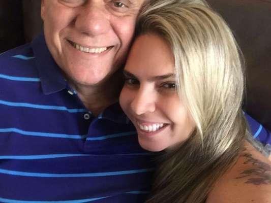 Namorada de Marcelo Rezende, Luciana Lacerda rebateu críticas que vem recebendo desde a morte do apresentador