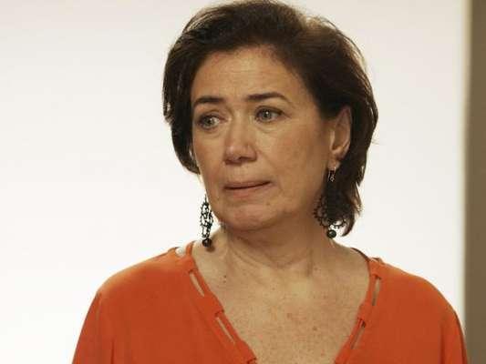 Silvana (Lilia Cabral) assume que é viciada e concorda em se internar em uma clínica para tratar o vício, no último capítulo da novela 'A Força do Querer', em 20 de outubro de 2017
