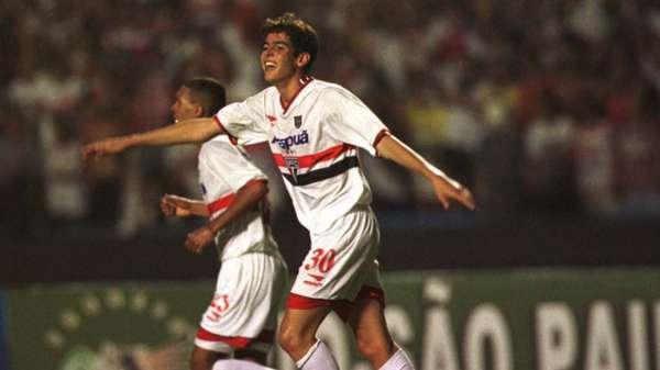Em 2001, Kaká ainda adotava o nome de Cacá e iniciava sua trajetória no São Paulo. Visto como uma promessa do clube, ele estreou no Torneio Rio-São Paulo de 2001, em um empate em 1 a 1 diante do Botafogo. Seu primeiro gol aconteceu em uma vitória por 4 a 2 sobre o Santos.