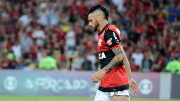Pará lamenta gol contra diante do Fluminense