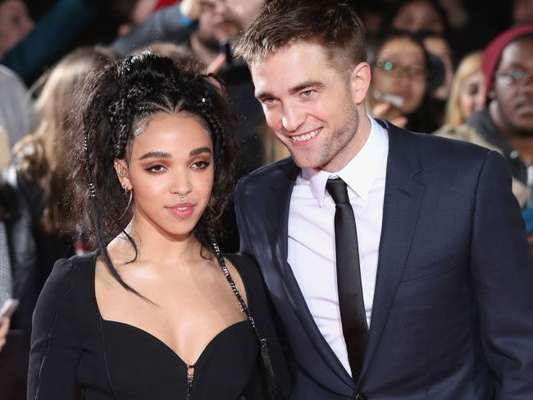 Fim: Robert Pattinson e FKA Twigs terminam noivado de quase 3 anos