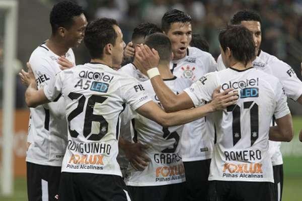 Corinthians: 33 gols sofridos em 57 jogos oficiais - média de 0,58 por jogo