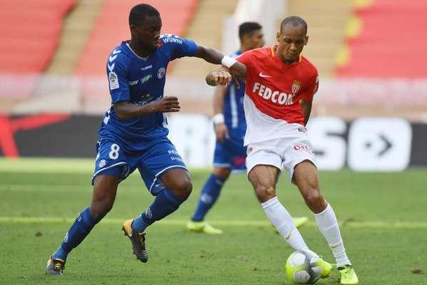 13/10 - 15h45 - Lyon x Monaco: O segundo colocado Monaco precisa vencer para não deixar o PSG disparar no Francês