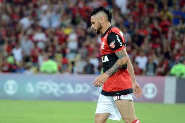 Pará, contra o próprio patrimônio, marcou o 100º gol do Fluminense