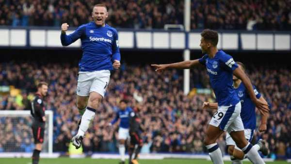 Na zona de rebaixamento na Premier League, Everton demite técnico Ronald Koeman
