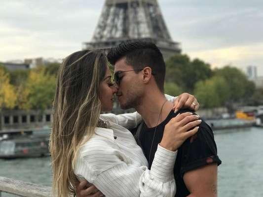 Veja fotos da viagem romântica de Mayra Cardi e Arthur Aguiar pela Europa