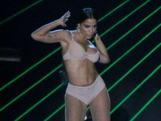 Anitta apresenta medley de sucessos no Prêmio Multishow 2017, na noite desta segunda-feira, 24 de outubro de 2017