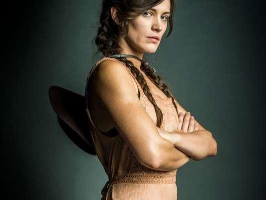 Gael (Sergio Guizé) pede desculpas para Josafá (Lima Duarte) e passa a acreditar que Sophia (Marieta Severo) tem a ver com o sumiço de Clara (Bianca Bin), no capítulo que vai ao ar sábado, dia 18 de novembro de 2017, na novela 'O Outro Lado do Paraíso'