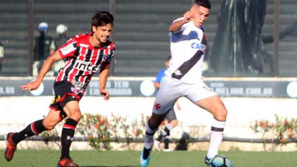 Rodrigo Caio busca Paulinho
