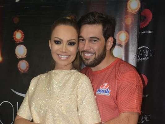Solange Almeida e o marido, Leandro Andriani, estão planejando uma festa de três dias para comemorar o casamento: 'Micareta'