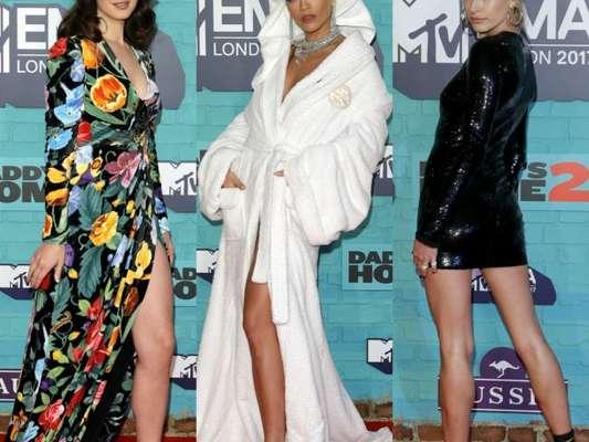 Lana Del Rey, Rita Ora e Hailey Baldwin deixaram as pernas à mostra com suas produções no MTV EMAs 2017. Veja mais looks na galeria!