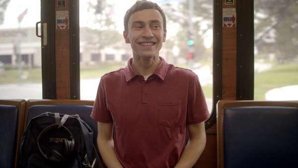 AtypicalDisponível desde 11 de agosto, a série Original Netflix conta, em tom de comédia dramática, a história de um garoto autista de 18 anos que decide buscar o amor e independência. Com apenas oito episódios de cerca de 30 minutos, vale a pena dar uma chance.