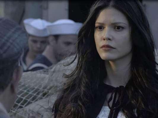 Na novela 'Tempo de Amar', no capítulo que vai ao ar no dia 29 de novembro de 2017, Maria Vitória (Vitória Strada) embarcará em um navio para Portugal, sem saber que a embarcação será alvo de um atentado