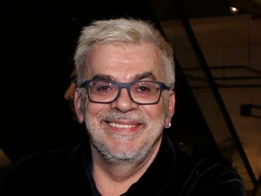 Walcyr Carrasco está enxugando a novela 'O Outro Lado do Paraíso' para acelerar a trama e antecipar a vingança de Clara (Bianca Bin), diz o colunista Daniel Castro, nesta sexta-feira, 17 de novembro de 2017