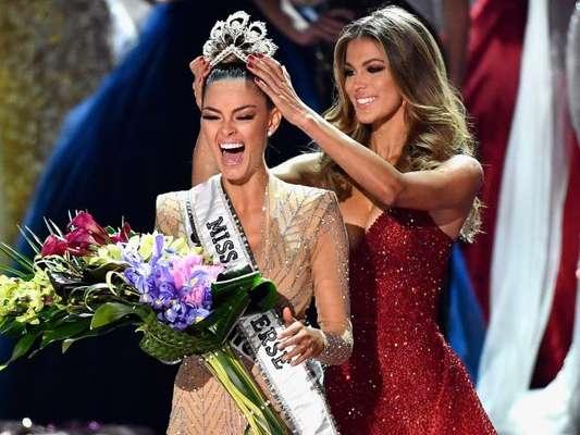 Demi-Leigh Nel-Peters, de 22 anos, foi eleita Miss Universo 2017 na madrugada desta segunda-feira, 27 de novembro de 2017, em Las Vegas, nos Estados Unidos