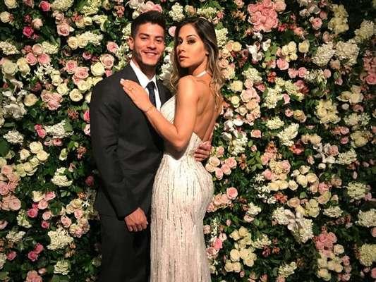Mayra Cardi contou por que antecipou casamento com Arthur Aguiar: 'Demorando para casar tem mais chance de eu casar grávida'