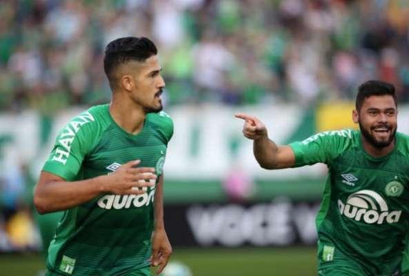 Chapecoense venceu o Coritiba e, com uma vitória a mais do que o Vasco, levou o Troféu João Saldanha, como campeão do returno do Brasileirão-2017