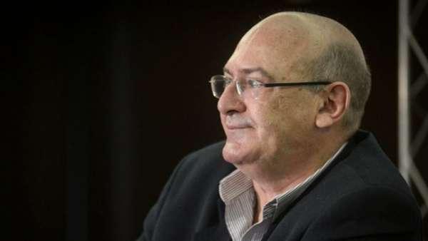 Andres Rueda é candidato pela Santástica União