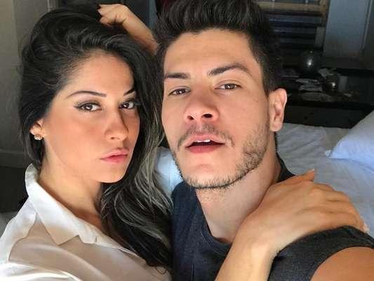 Arthur Aguiar reclamou de saudade de Mayra Cardi em seu perfil do Instagram neste sábado, 16 de dezembro de 2017