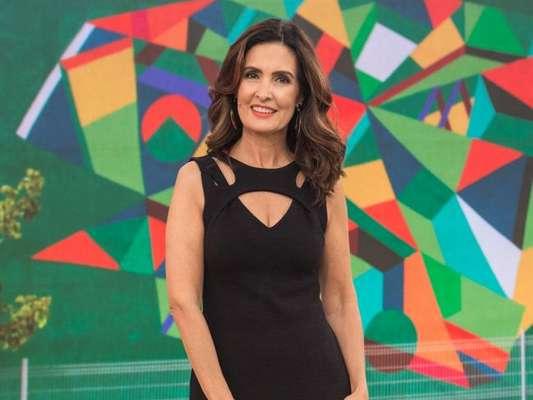 Fátima Bernardes se afirma 'muito satisfeita' com vida amorosa ao participar de transmissão ao vivo nas redes sociais do programa 'Encontro' nesta terça-feira, dia 19 de dezembro de 2017