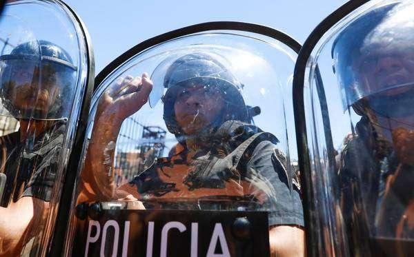 Debates sobre reforma da previdência causaram série de protestos na Argentina