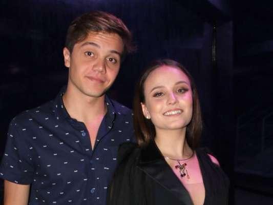 Larissa Manoela levou o namorado, Leo Cidade, em show promovido pelo Instituto Neymar, em São Paulo, na noite desta terça-feira, 19 de dezembro de 2017