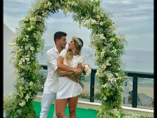 Mayra Cardi se casa com Arthur Aguiar