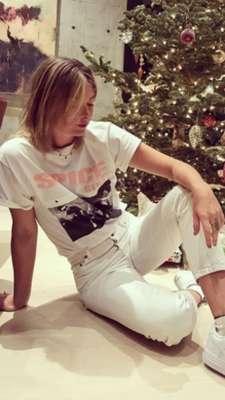 Maria Sharapova publicou no Instagram a foto em frente a sua árvore de Natal