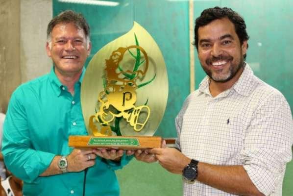 Diretor estatutário Marcelo Dedeschi e o coordenador geral da base, João Paulo Sampaio