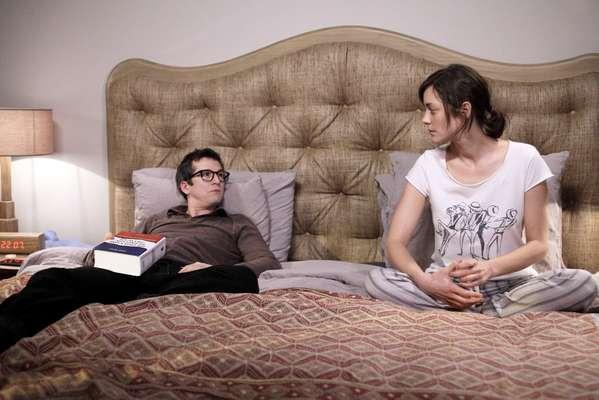 """Em """"Rock n' Roll"""", Guillaume Canet e Marion Cotillard interpretam a si mesmos como um casal de artistas em crise de meia-idade"""