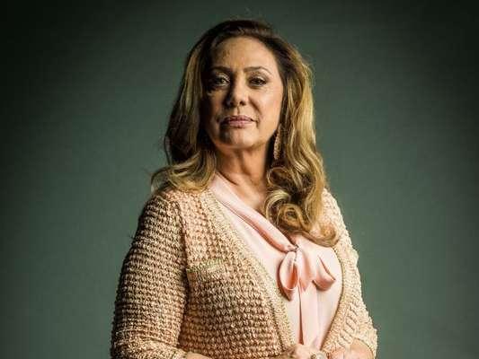 Eliane Giardini, no ar como Nádia na novela 'O Outro Lado do Paraíso', comentou que sente dificuldade em interpretar uma mulher preconceituosa