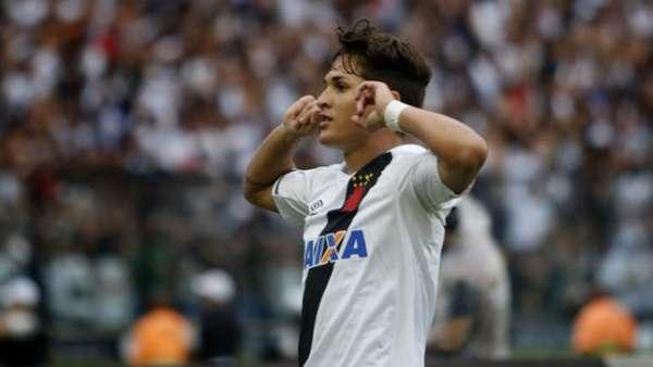 Mateus Vital está de saída do Vasco e está encaminhado a transferência ao Corinthians. Veja galeria L!