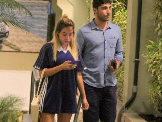 Anitta e o marido, Thiago Magalhães, são fotografados deixando um Shopping da zona sul do Rio, na noite de quinta-feira, 11 de janeiro de 2018