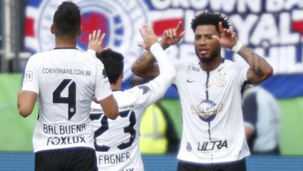 Comemoração do gol de Kazim, do Corinthians