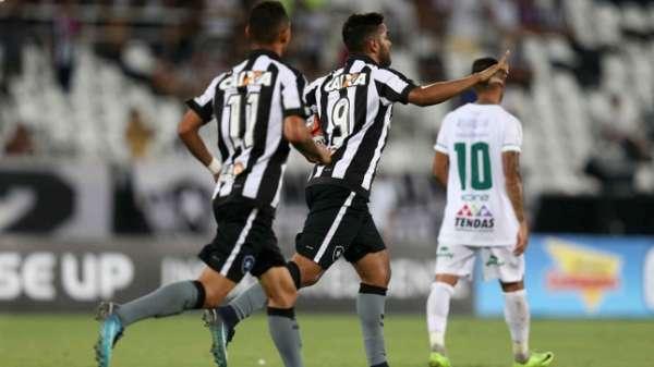 Botafogo só empatou com Portuguesa no Nilton Santos. Veja a seguir uma sequência de fotos
