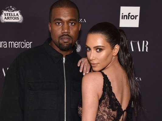 Kim Kardashian homenageia marido, Kanye West, com nome da 3ª filha, como anunciou em seu aplicativo nesta sexta-feira, dia 19 de janeiro de 2018