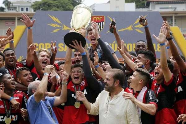 Após vencer o São Paulo por 1 a 0, Flamengo conquistou o título da Copa São Paulo de Futebol Júnior pela quarta vez em sua história. O LANCE! relembra os destaques do Rubro-Negro