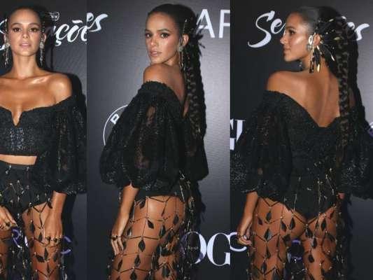 Bruna Marquezine ousa em escolha de look para Baile da Vogue, realizado no Hotel Unique, em São Paulo, na noite desta quinta-feira, 1 de fevereiro de 2018