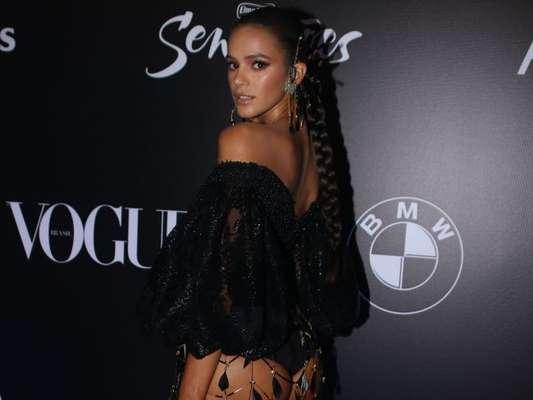 Neymar elogia Bruna Marquezine em foto de look em comentário nesta sexta-feira, dia 02 de fevereiro de 2018
