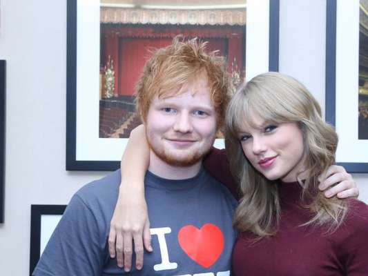 "Taylor Swift e Ed Sheeran brincam nos bastidores de ""End Game"""