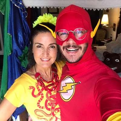 Fátima Bernardes e Túlio Gadêlha fizeram um pouco de tudo no pré-Carnaval de Recife